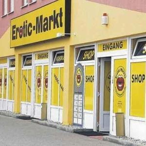 Erotikmarkt an der Autobahn Erotikkino